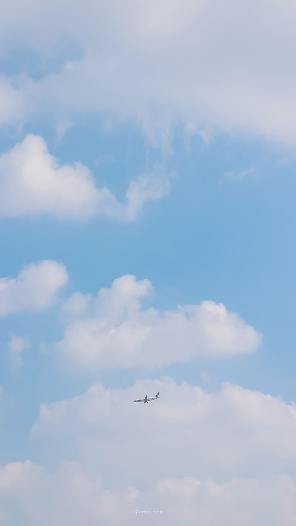 蔚蓝纯净的天空美景