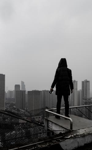 一个人孤独寂寞背影
