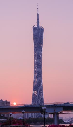 黄昏下的广州塔