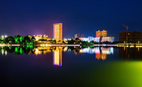 灯红酒绿的城市夜景