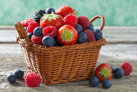 篮子,浆果,覆盆子,草莓,蓝莓