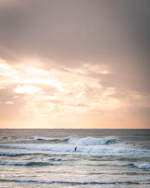 黄昏下的海滩