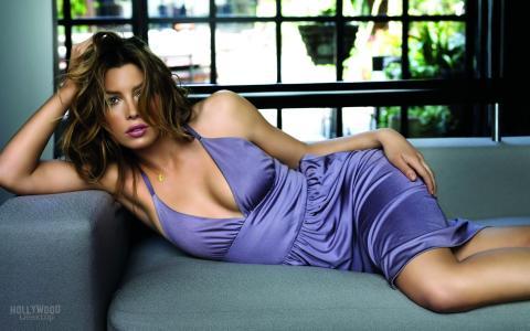杰西卡比尔,女演员,沙发,淡紫色礼服,杰西卡比尔