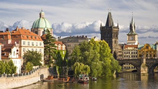 中心,历史,布拉格