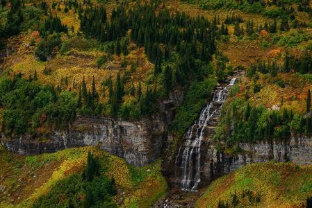 冰川国家公园,蒙大拿州,秋天,高山,树木,瀑布,景观