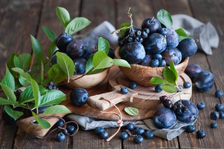 李子,aronia,蓝莓,浆果