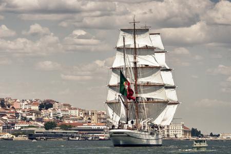 NRP萨格里什三世,萨格里什,里斯本,葡萄牙,塔霍河,里斯本,葡萄牙,塔霍河,帆船,树皮,河流