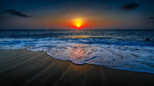 海岸落日美景