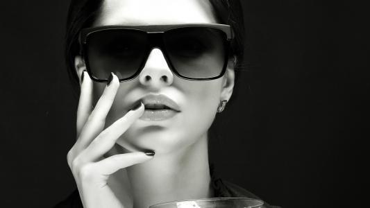 女孩,黑色和白色,眼镜,玻璃,魅力,手,嘴唇