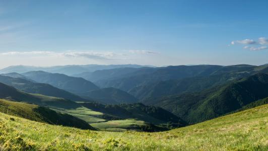 山,田野,草地,天空,太阳,云