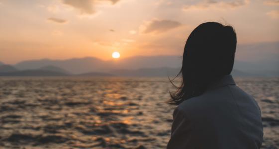 一个人孤单看夕阳