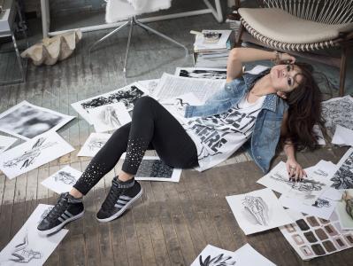 Selena Gomez,女孩,歌手