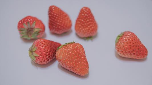 美味鲜艳的草莓