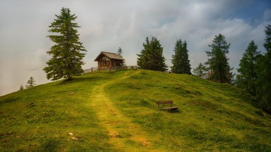 依山而建的小木屋唯美风景