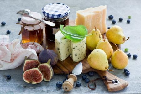 梨,无花果,无花果,奶酪,蜂蜜,果酱,蓝莓,浆果,水果,刀,静物