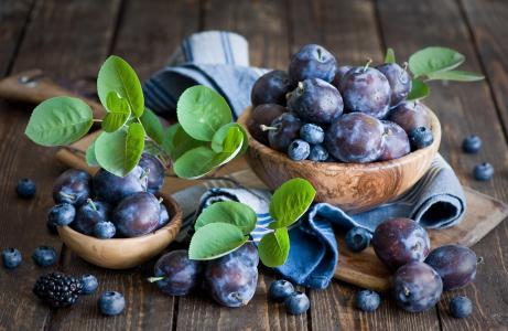 浆果,李子,蓝莓,树叶