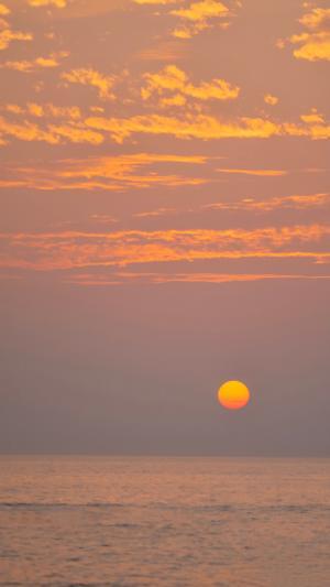 醉人的海上夕阳美景