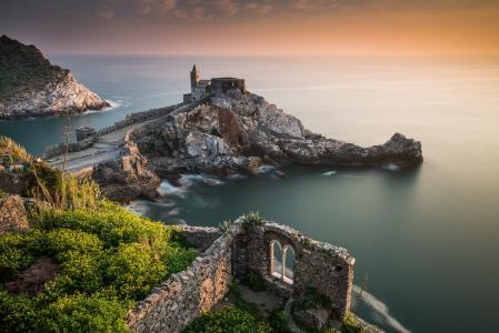 教会的圣彼得,波尔图Venere,利古里亚,意大利,利古里亚海,圣彼得教堂,波多维内瑞,利古里亚,意大利,利古里亚海,海,岩石,教堂,海岸