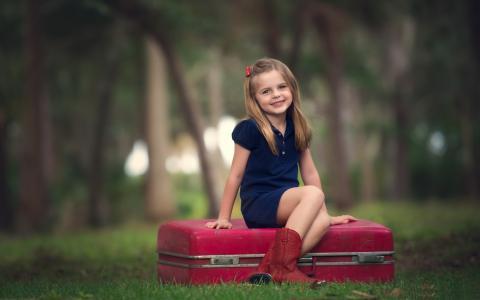 女孩,孩子,心情,喜悦,微笑,手提箱,森林,女孩,孩子,幽默,欢乐,微笑,手提箱,森林
