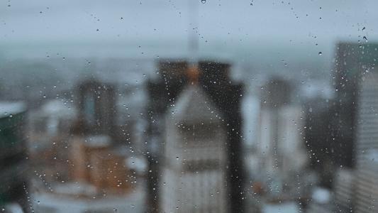 朦胧唯美的下雨天