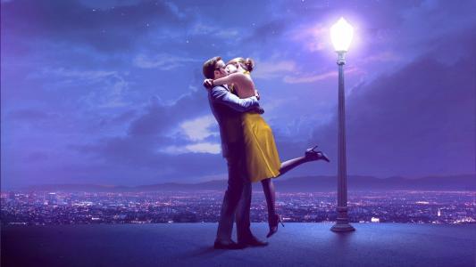 La La Land,La la Land,情侣,情侣,情侣,舞蹈,吻,夜,灯笼,天空,星星,星空,瑞恩高斯林,瑞恩高斯林,艾玛斯通,艾玛斯通