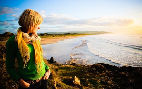 女孩,围巾,沙滩,石头,海,地平线