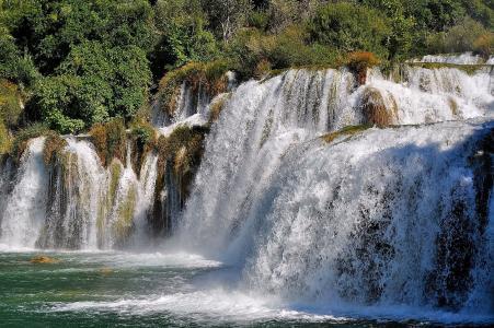 瀑布,河流,树木,灌木丛