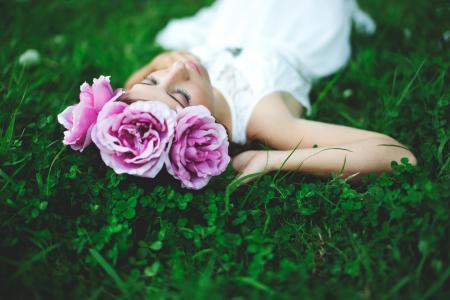 女孩,草,三叶草,鲜花,花圈,心情