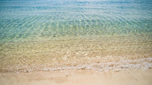 清新优美的沙滩海浪