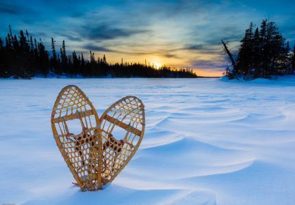 桑德贝,安大略,加拿大,苏必利尔湖,桑德贝,安大略,加拿大,苏必利尔湖,日落,雪,雪鞋,冬季