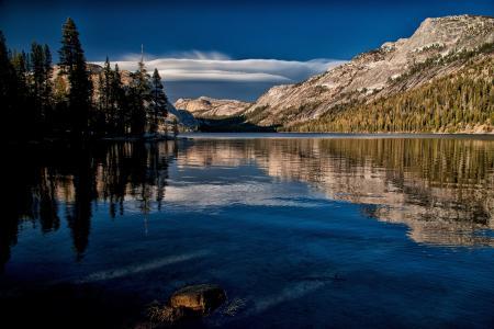 Tenaya湖,加州Yosemite国家公园,Tenaya湖,加利福尼亚优胜美地,山脉,湖泊
