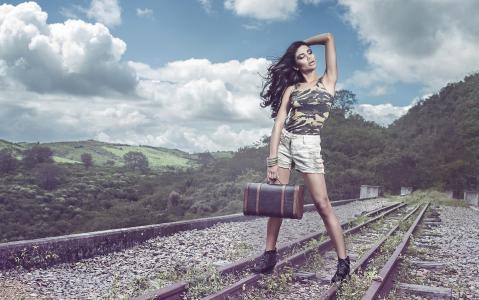 宝拉Brandao,手提箱,导轨