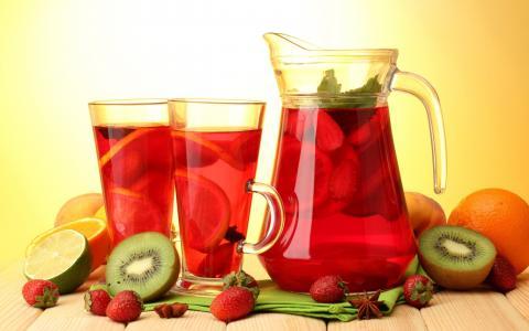 玻璃水瓶,果汁,猕猴桃,草莓,橙子,酸橙
