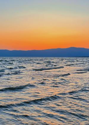 黄昏下的海洋美景