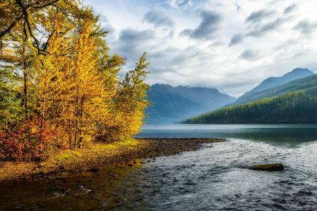 下金塔湖,冰川国家公园,加拿大,秋天,景观